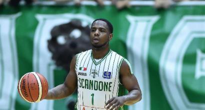 Basket, Serie A: Milano annulla Sassari, Avellino sorride
