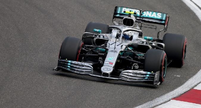 F1, pole di Bottas in Cina