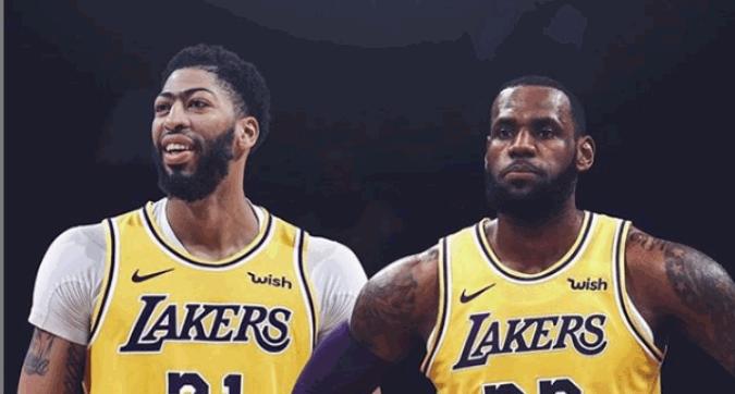 """Nba, il benvenuto di LeBron James a Davis: """"Questo è solo l'inizio"""""""