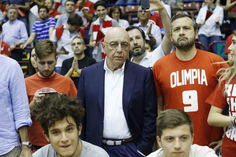 Galliani esulta con l'Olimpia
