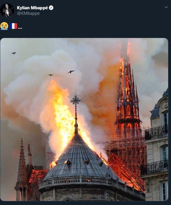 Notre-Dame a fuoco, i messaggi del mondo dello sport