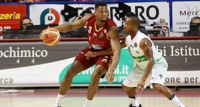 Basket, Serie A: Venezia piega Avellino, è a -6 da Milano