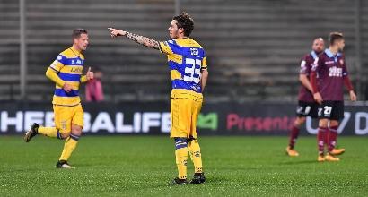 Serie B: Parma corsaro all'Arechi: basta Dezi