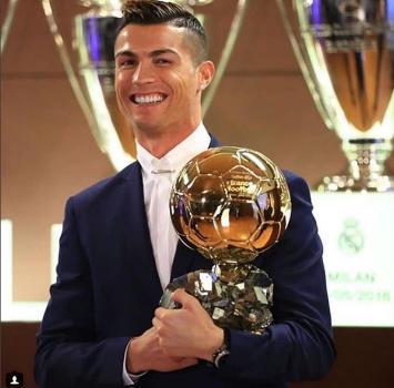 """Il Pallone d'Oro a Modric scatena la famiglia di CR7: """"Che marciume, figli di p..."""""""