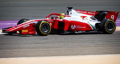 F2, gara Bahrain: Mick Schumacher debutta e chiude ottavo, scatterà dalla pole