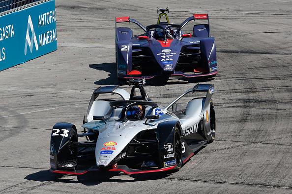 Sam Bird ha vinto l'E-Prix di Santiago del Cile, terza prova del campionato del mondo di Formula E: il pilota britannico della Virgin Racing ha chiuso davanti a Wehrlein (Mahindra) e Abt (Audi) che ha approfittato della penalizzazione di Sims (poi settimo) per aver tamponato Mortara, quarto al traguardo. Con questo successo Bird sale secondo nel Mondiale, un punto dietro D'Ambrosio. Prossimo round in Messico, il 16 febbraio.