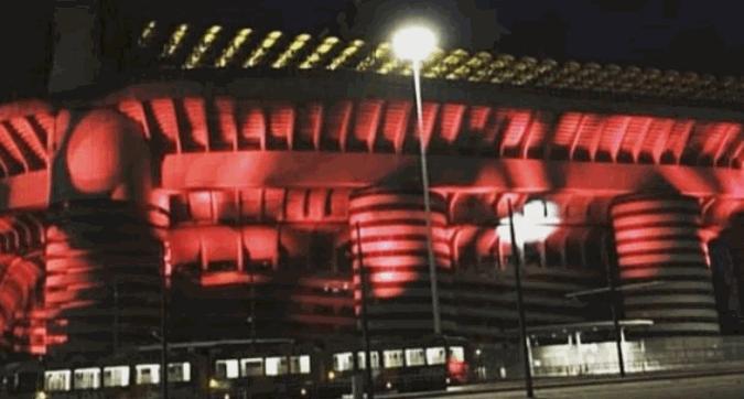 Milan, San Siro rosso fuoco per il derby