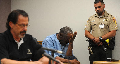 """Usa, OJ Simpson torna libero dopo nove anni di carcere per buona condotta: """"Sono un bravo uomo"""""""