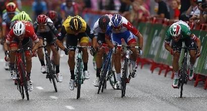 Vuelta, trionfa Yates: ultima tappa a Viviani davanti a Sagan