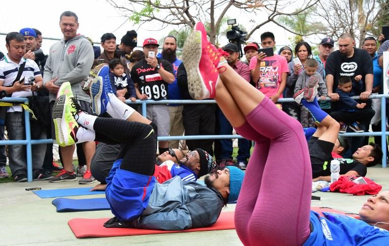 Pacquiao come Rocky: si allena in strada con i tifosi