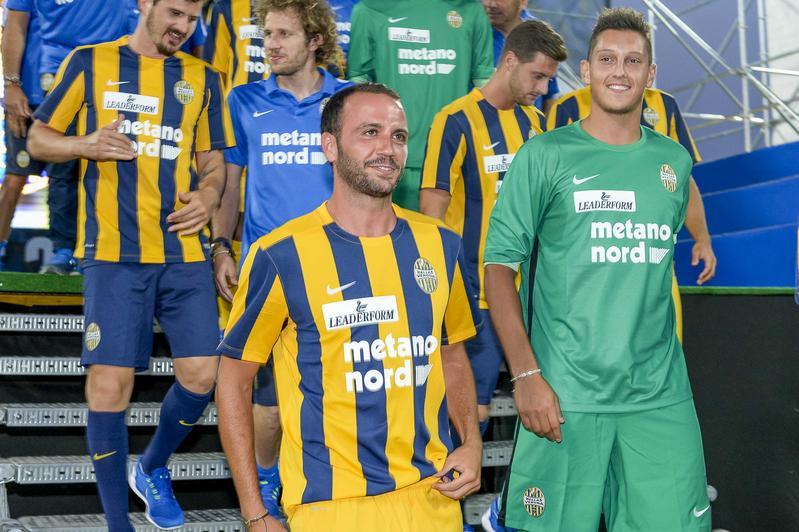 Verona, il colpo Pazzini alla presentazione della squadra