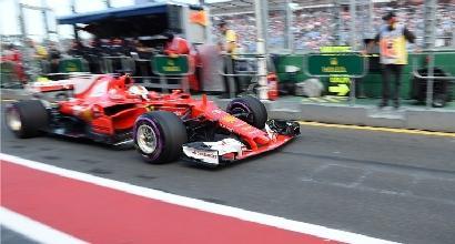 F1, GP Australia: mostro Hamilton, pole davanti a Vettel