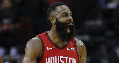 Nba: gli Spurs di Belinelli piegano Boston, super Harden fa volare i Rockets