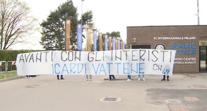 """Inter, la Curva Nord: """"Icardi e Wanda speculano"""""""