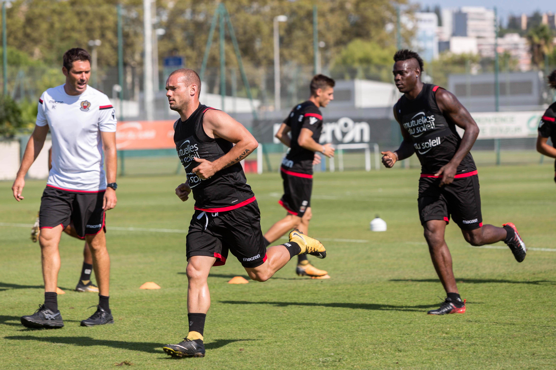 Balo e Sneijder, il Napoli nel mirino