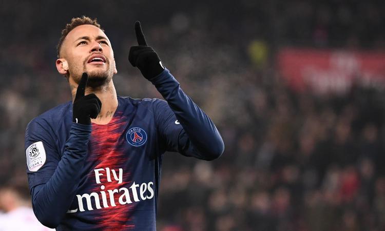 Neymar, attaccante, costato al Psg 222 mln