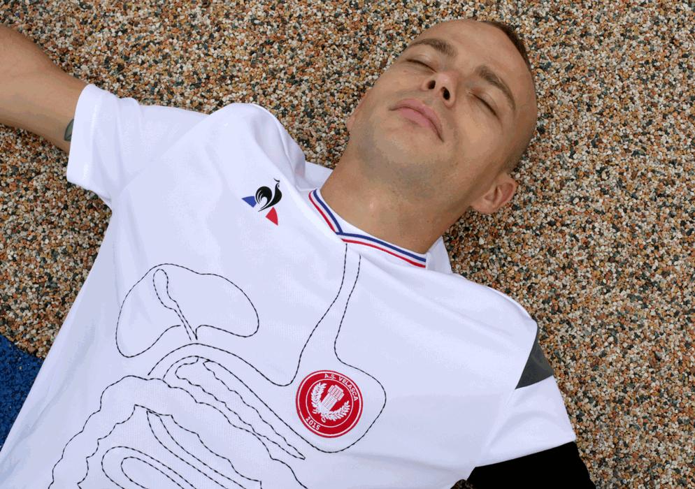 La società milanese e delle maglie speciali Le Coq Sportif firmate da Pascale Marthine Tayou. Ma non solo...