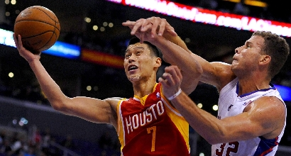 Blake Griffin e Rockets Jeremy Lin, foto Ansa