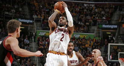 Nba: super Irving trascina i Cavs, bene Gallinari