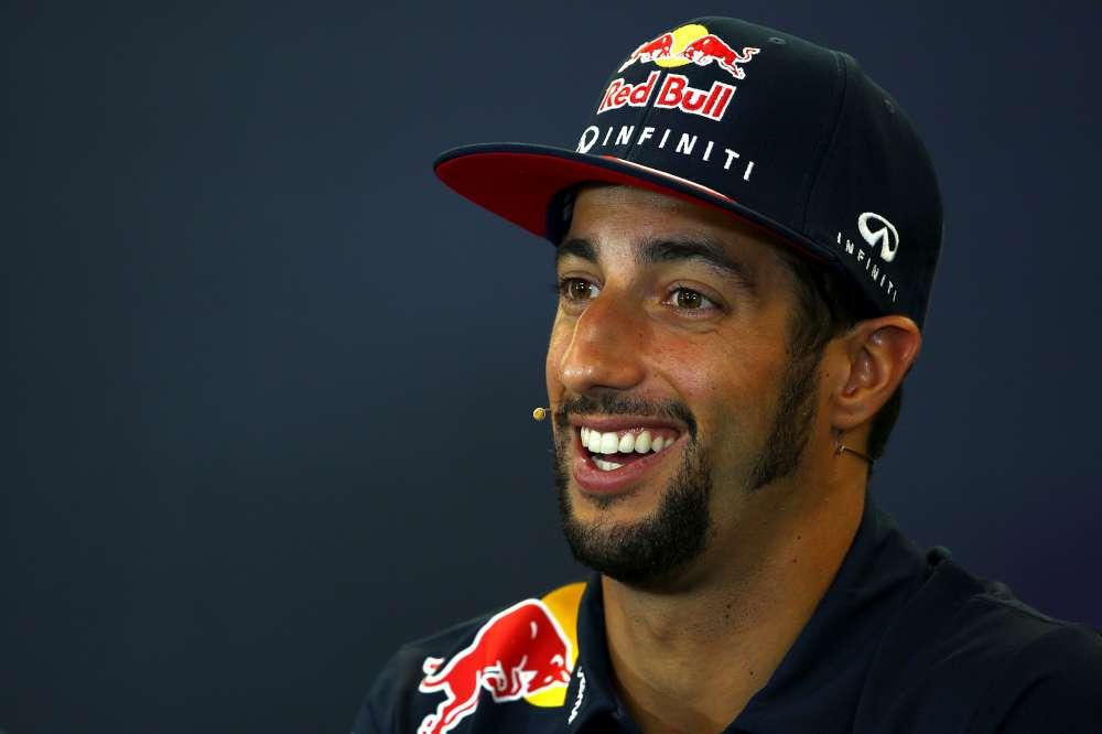 F1, Daniel Ricciardo con barba da cowboy in Texas