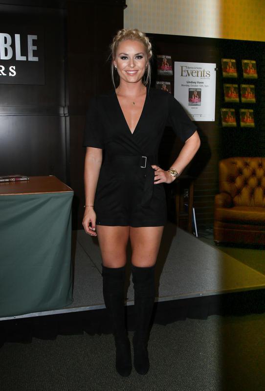 Lindsey Vonn sexy in nero