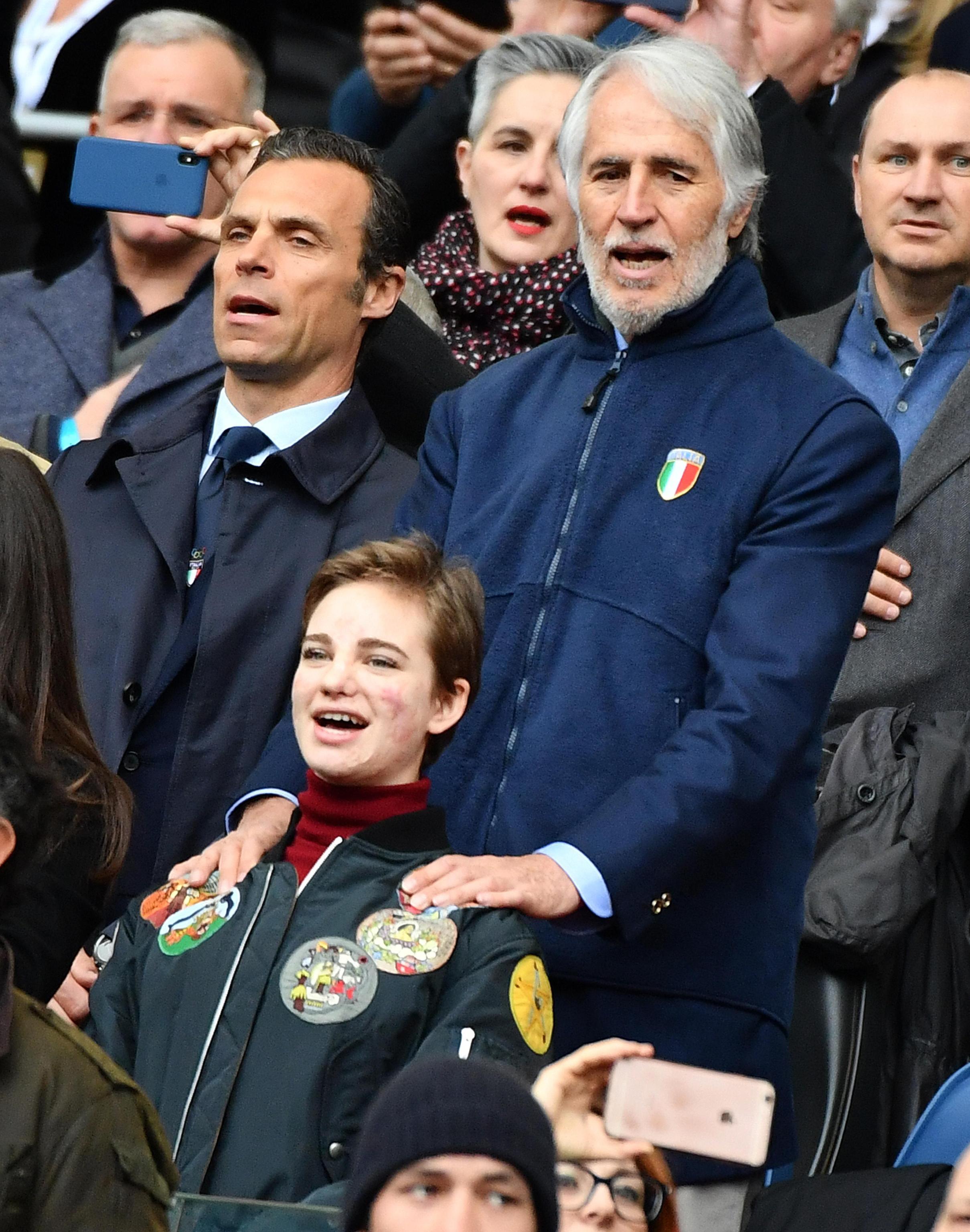 """Quinta sconfitta in altrettante gare del Sei Nazioni 2018 per l'Italia del rugby che, all'Olimpico di Roma, è stata sconfitta 29-27 nel finale dalla Scozia. Per gli Azzurri è la diciassettesima sconfitta consecutiva nel torneo, che li condanna anche per questa edizione al """"Cucchiaio di legno"""". Tre le mete per l'Italia due realizzate da Allan e una da Minozzi, ma non è bastato. Il calcio di Laidlaw a un minuto dalla fine è valso la sconfitta."""