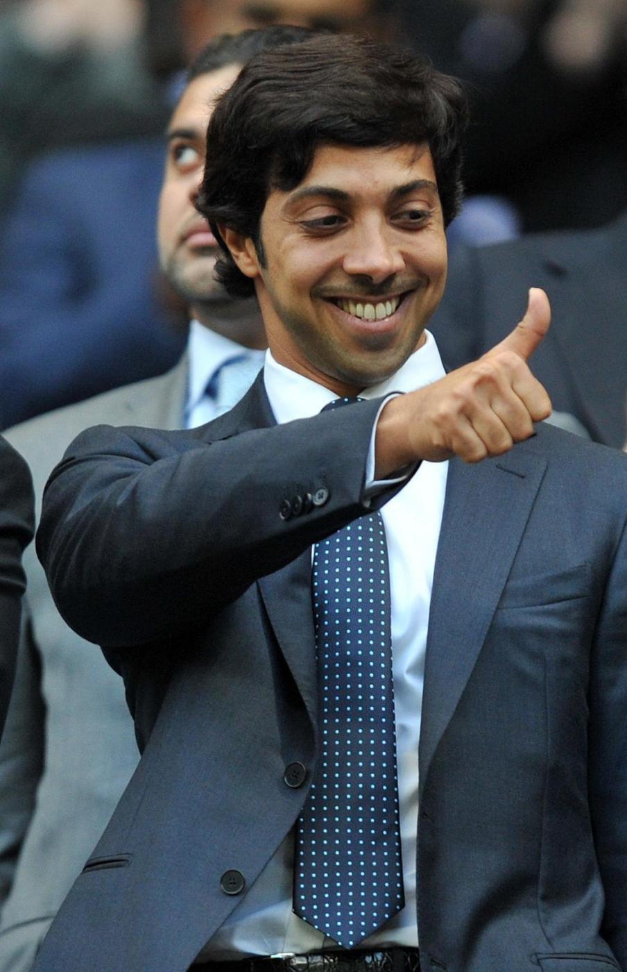 2 Sheikh Mansour - Proprietario del Manchester City, ha un patrimonio di 17 miliardi di sterline