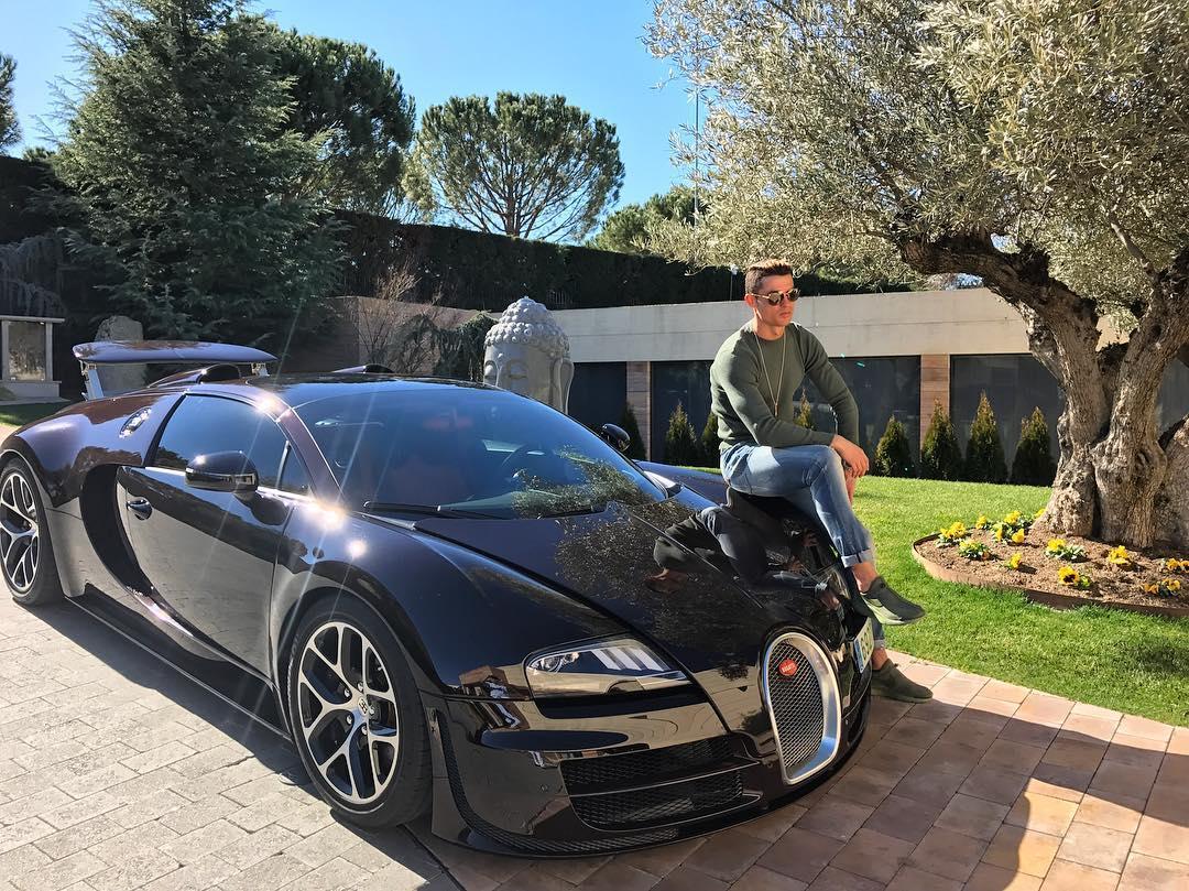 Ronaldo, un garage da urlo