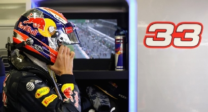 """Verstappen contro Vettel: """"È un idiota e ridicolo"""""""