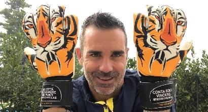 La tigre Sorrentino, guanti speciali per il derby