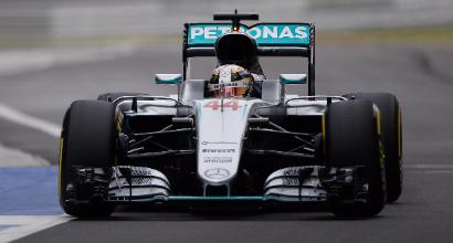 """F1 a Sepang, Hamilton: """"Qualcuno non vuole che io vinca il titolo"""""""