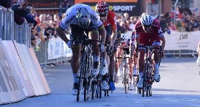Ciclismo, Sagan beffa Viviani