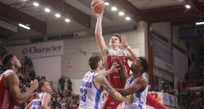 Basket, Serie A: Milano 10 e lode all'overtime, bene anche Venezia e Varese