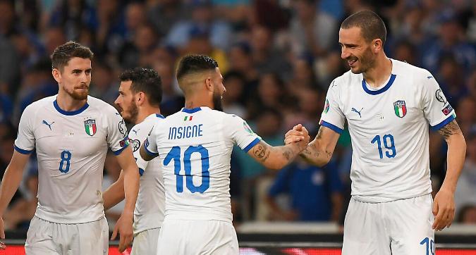 Difesa solida, calcio offensivo e giovani: la Nazionale di Mancini piace e vince
