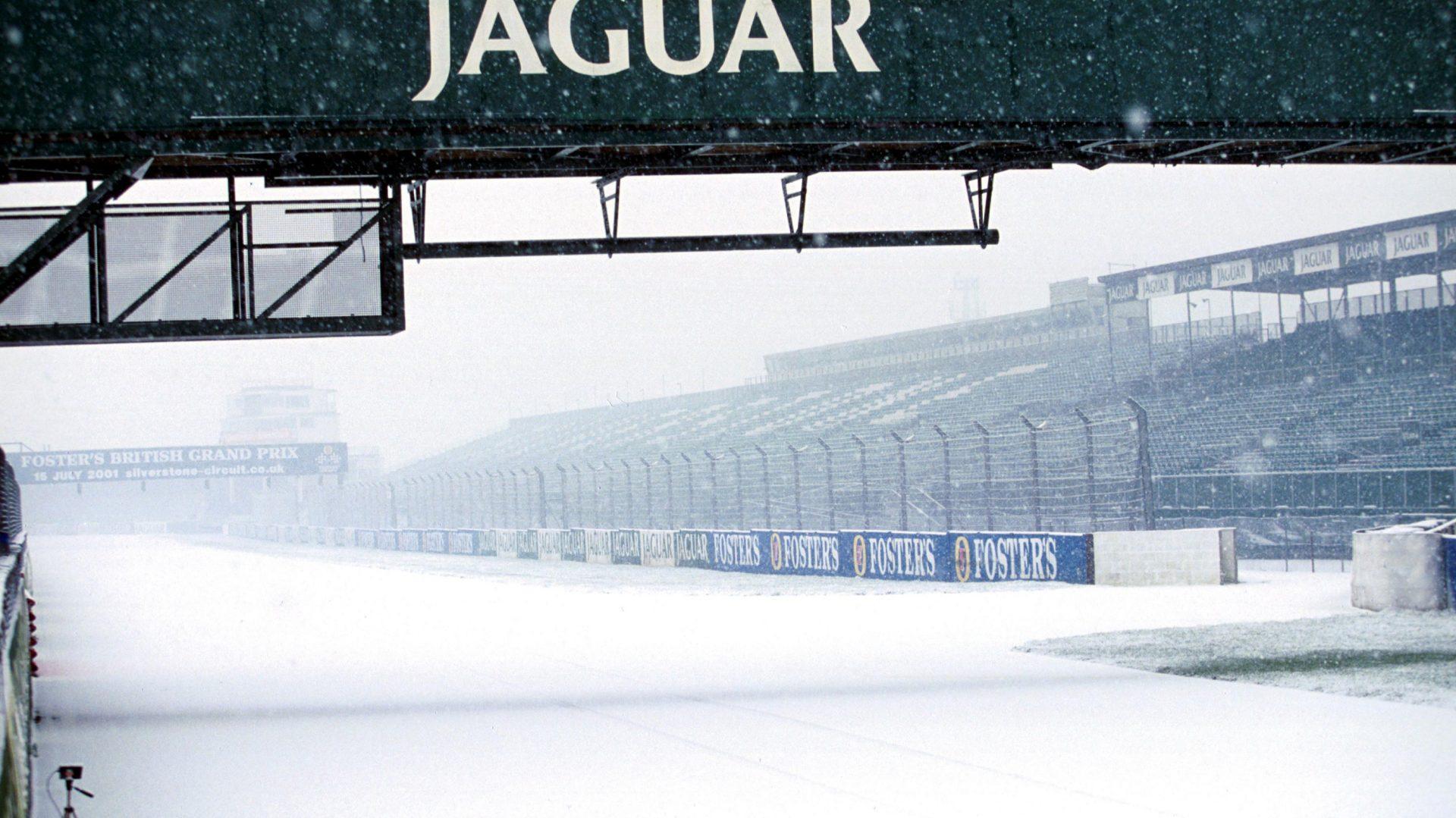 Una spettacolare foto del 2001 del circuito di Silverstone.