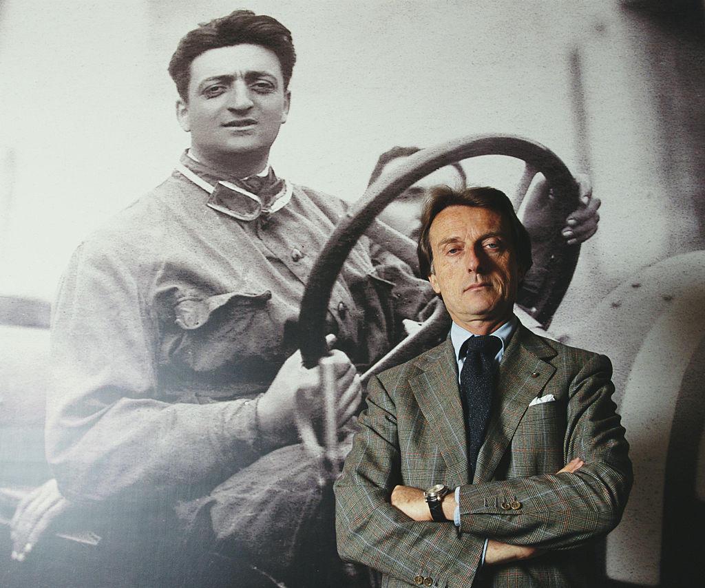 Stiamo parlando di un giovane Enzo Ferrari (foto alle spalle di Luca Cordero di Montezemolo)