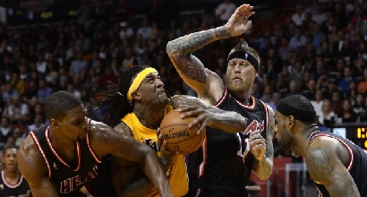 Bosh contro i Lakers (Afp)