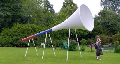Russia 2018, arriva la vuvuzela gigante: è lunga 9 metri
