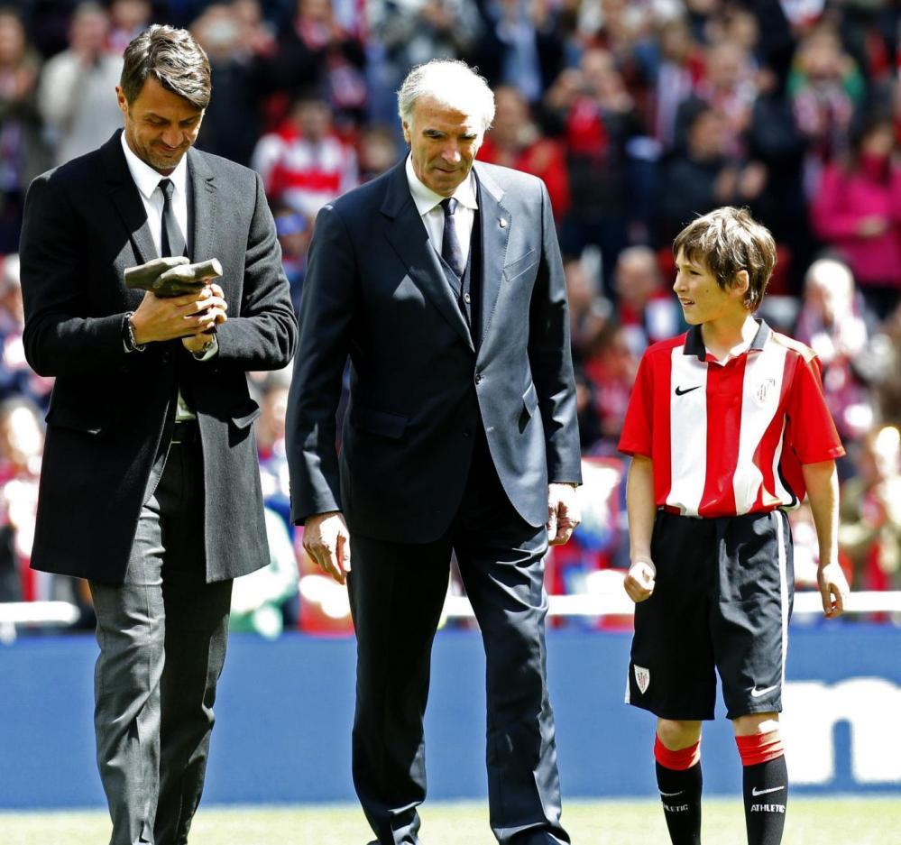 """""""One Man Club"""": Paolo Maldini premiato a Bilbao"""