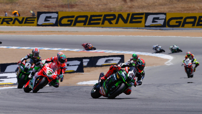 Superbike, show di Davies e Ducati a Laguna Seca