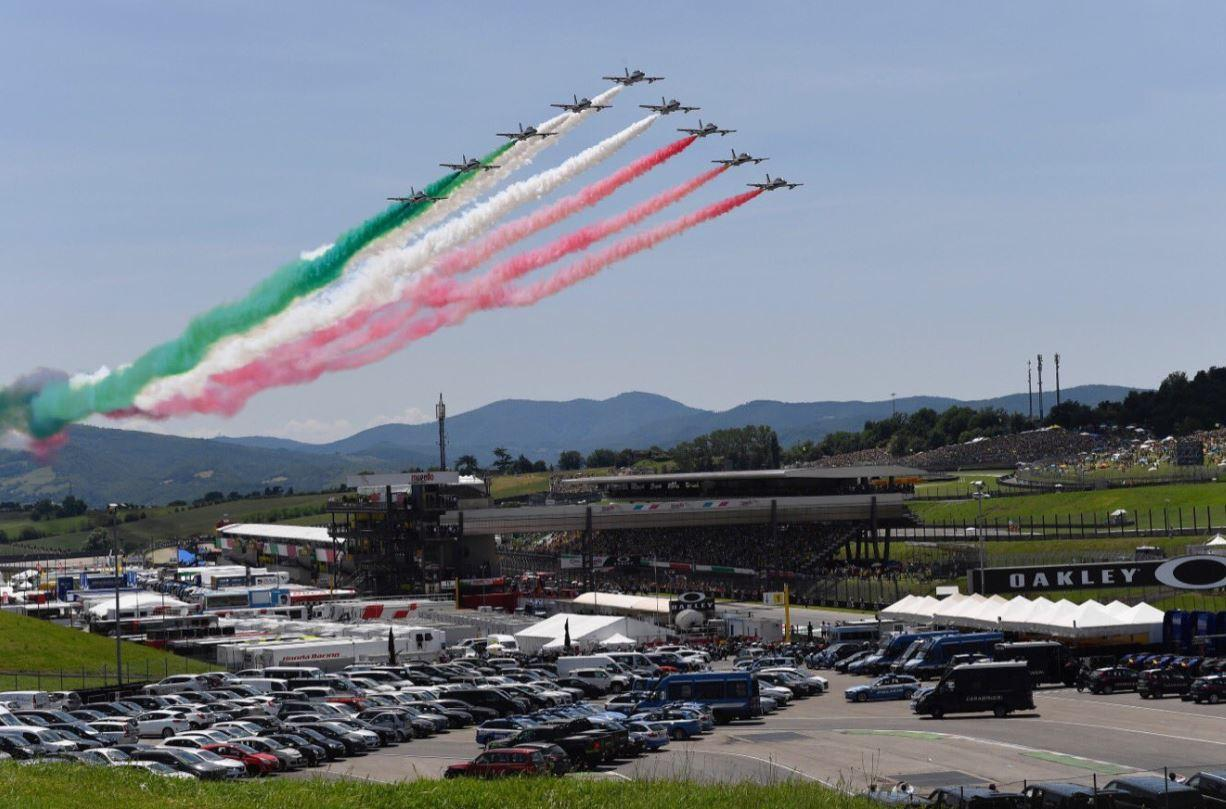 Frecce Tricolori 2020 Calendario.Motogp Le Frecce Tricolori Al Mugello Foto Sportmediaset
