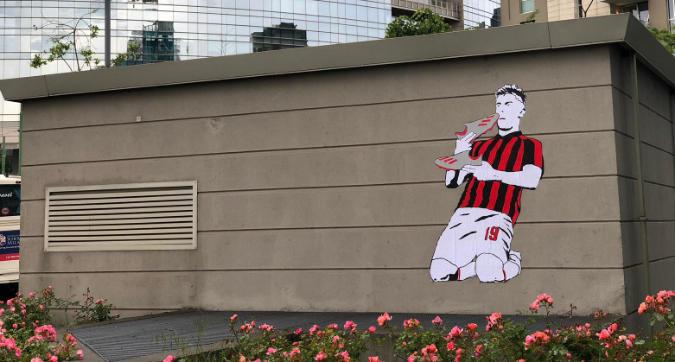 Piatek diventa arte sui muri di Milano
