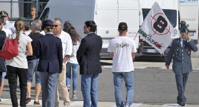 I tifosi per Antonelli a Fiumicino (LaPresse)