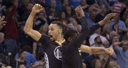 Nba: Curry senza limiti, 46 punti ai Thunder e record di triple