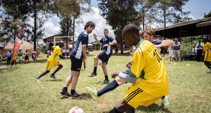 Goal4Uganda, inaugurato un campo da calcio a Kampala con Perrotta e Tommasi