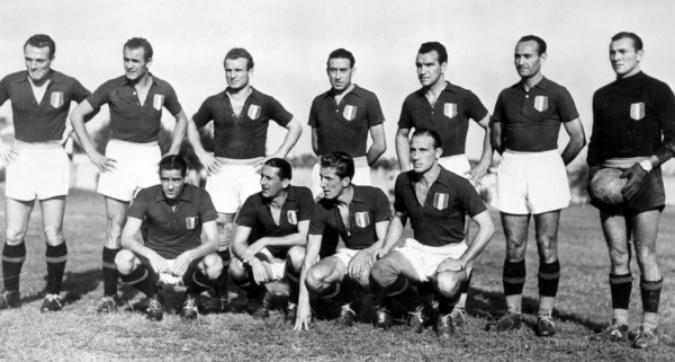 """Torino e l'Italia omaggiano il """"Grande Torino"""": commozione nel ricordo degli 'Invincibili'"""