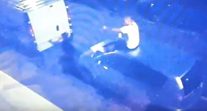 Olanda, Sneijder si ubriaca e danneggia un'auto: fermato dalla polizia