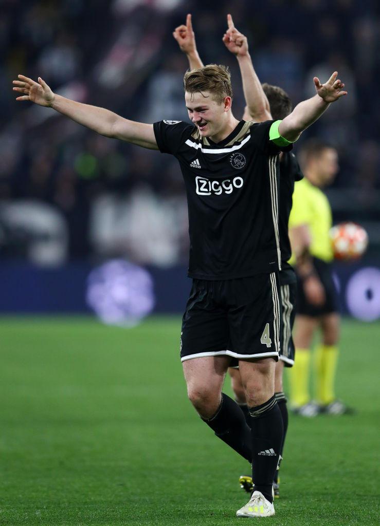 Matthijs de Ligt, difensore dell'Ajax: molto vicino al Barcellona