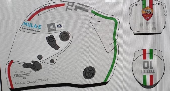 """Formula E, Totti in pista a Roma: ecco il """"suo"""" casco"""