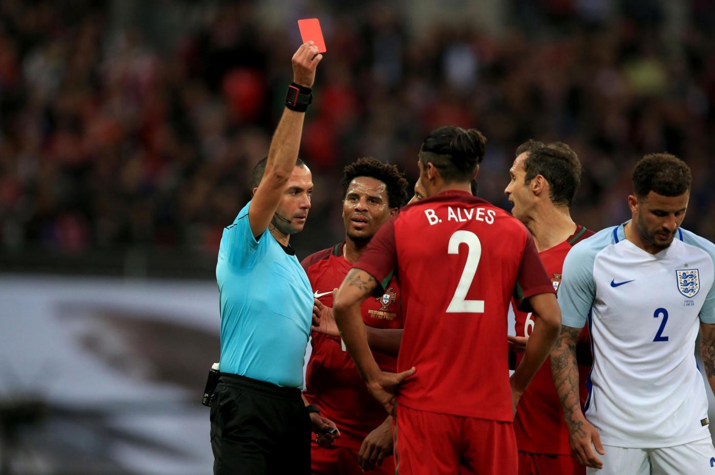 Inghilterra-Portogallo, rosso per Bruno Alves
